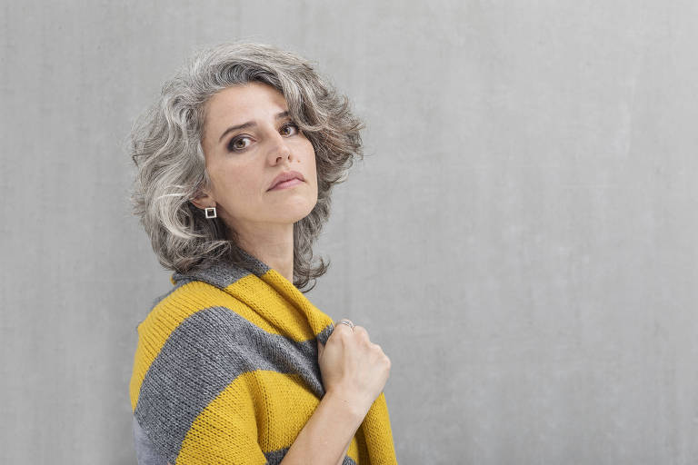 Meu cabelo nunca teve uma cor tão bonita', diz Simone Pires