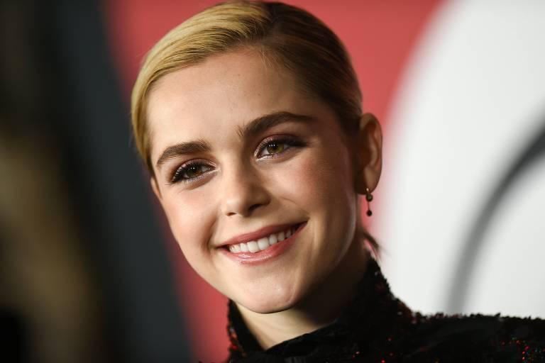 """A atriz Kiernan Shipka na première de """"Sabrina""""em Hollywood"""