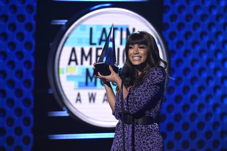"""Anitta recebe o prêmio de melhor videoclipe pela música """"Medicina"""""""