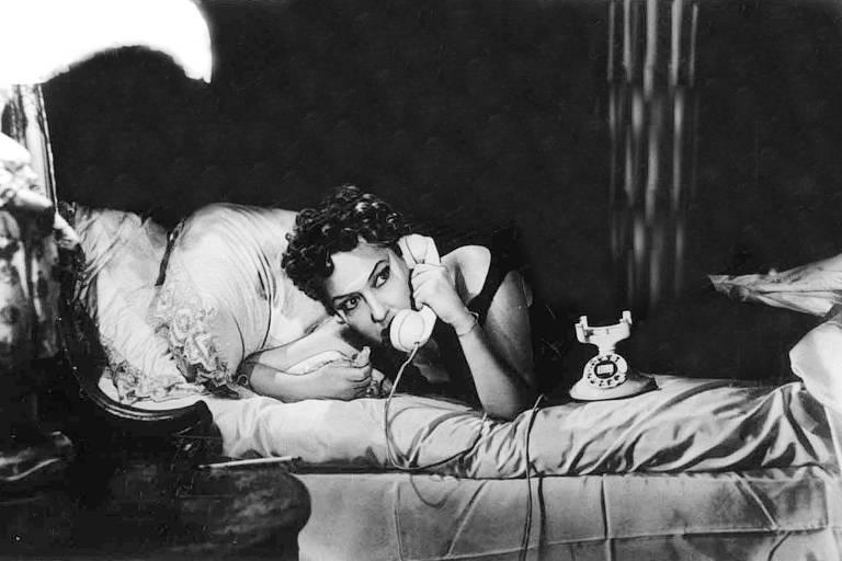 A atriz Gloria Swanson, em cena do filme 'Crepúsculo dos Deuses' (1950), de Billy Wilder