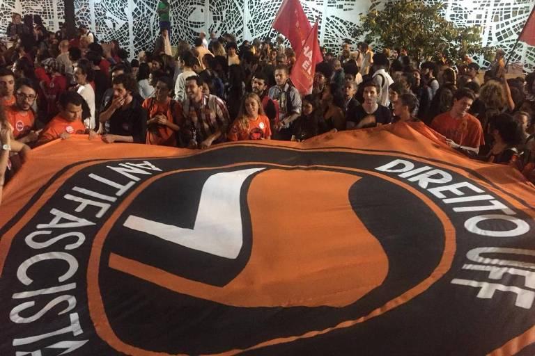 Estudantes da UFF protestam contra ações da Justiça Eleitoral