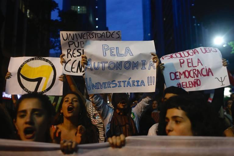 Protesto de universitários no Rio de Janeiro