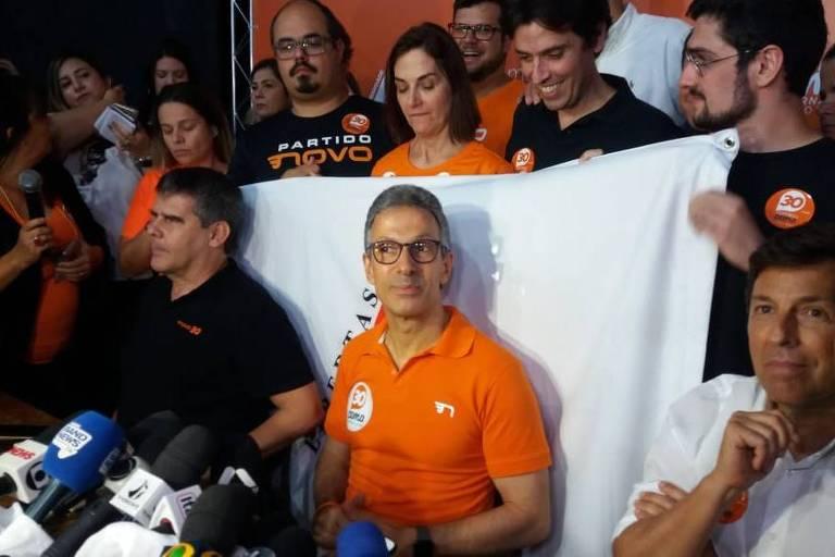 Romeu Zema fala à imprensa após ser eleito em Minas Gerais