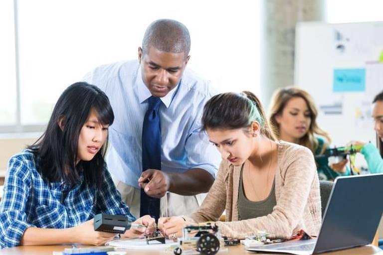 O Enem cobra o conhecimento adquirido durante os três anos do ensino médio