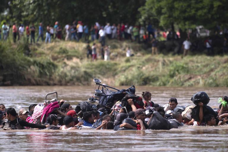Caravana de imigrantes tenta chegar aos EUA