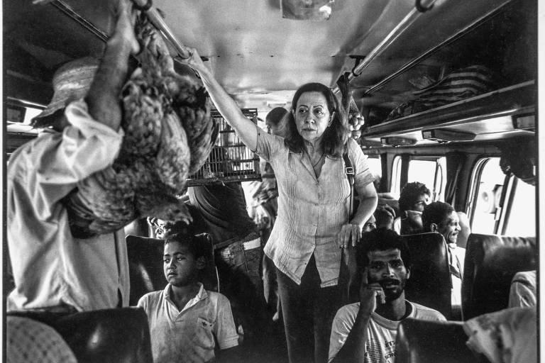 Fernanda Montenegro no set de 'Central do Brasil', de Walter Salles, em foto  feita pelo diretor de fotografia Walter Carvalho; o filme é um dos maiores exemplos da produção da retomada