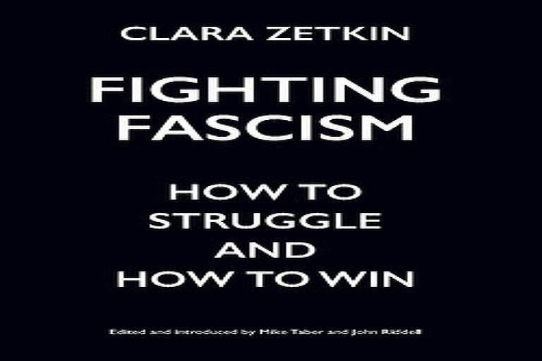 O livro 'Fight Fascism', de Clara Zetkin
