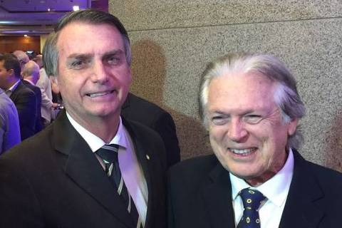 Luciano Bivar é reconduzido à presidência do PSL, partido de Bolsonaro