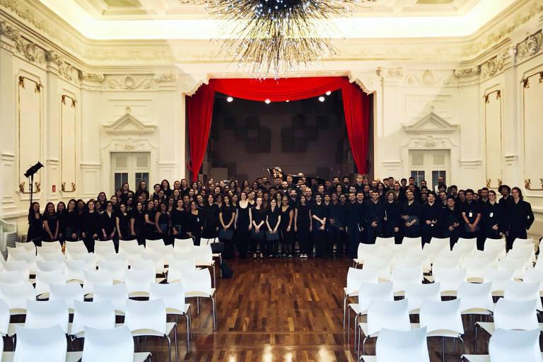 Coro Adulto da Escola Municipal de Música