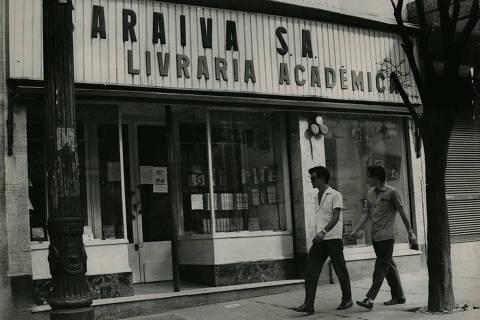 LOCAL DESCONHECIDA, 30-01-1967: Literatura: fachada da Livraria Saraiva. (Foto: Acervo UH/Folhapress)