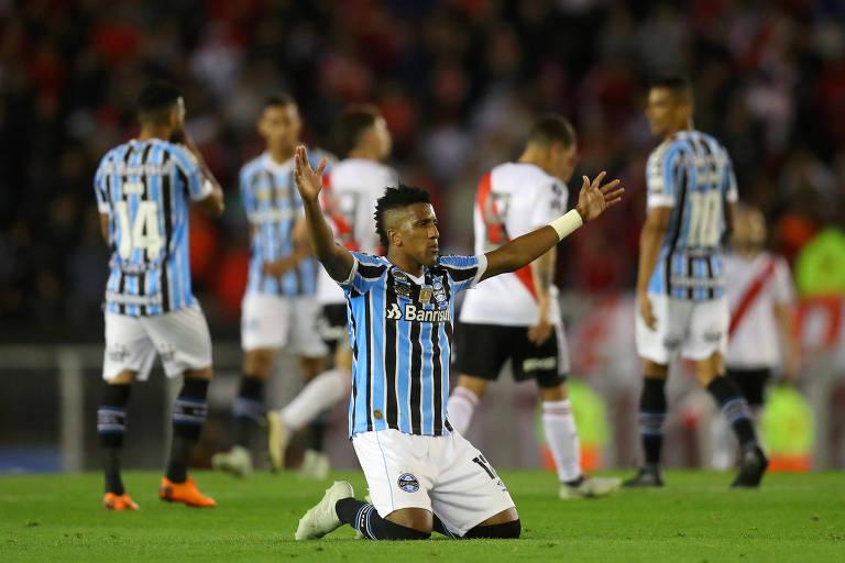 Cortez, lateral do Grêmio, durante jogo contra o River Plate pelas semifinais da Libertadores 2018