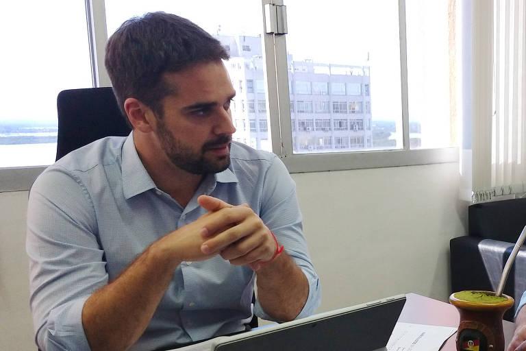 O governador do Rio Grande do Sul, Eduardo Leite (PSDB), que está questionando o aumento dos juízes e promotores