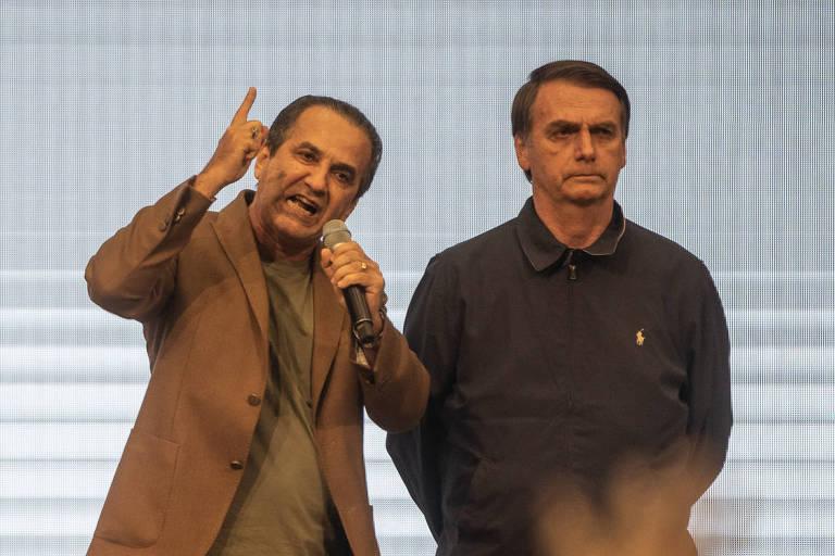O pastor Silas Malafaia, aliado de Jair Bolsonaro (PSL), participa de culto ao lado do então presidente eleito na Assembleia de Deus, na Penha, zona norte do Rio