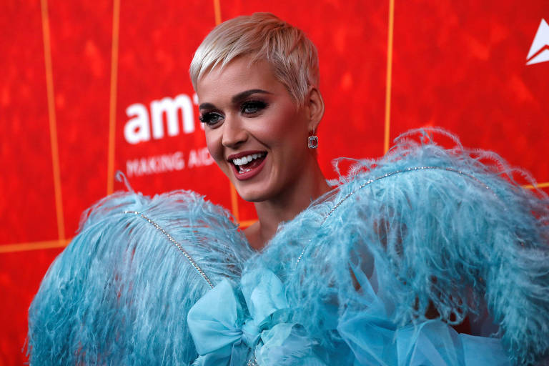 A cantroa Katy Perry, 34