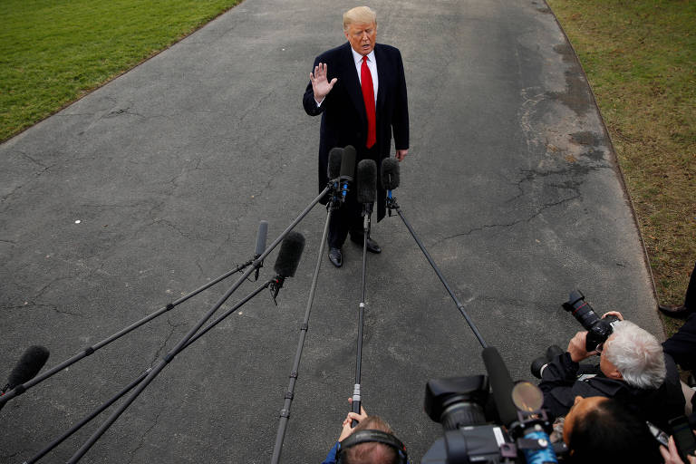 O presidente americano Donald Trump em entrevista a jornalistas em Washington