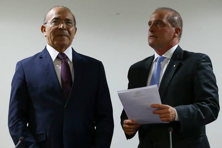 O ministro-chefe da Casa Civil, Eliseu Padilha, recebe o deputado Onyx Lorenzoni (DEM-RS), futuro titular da pasta no governo Bolsonaro, para tratar do processo de transição