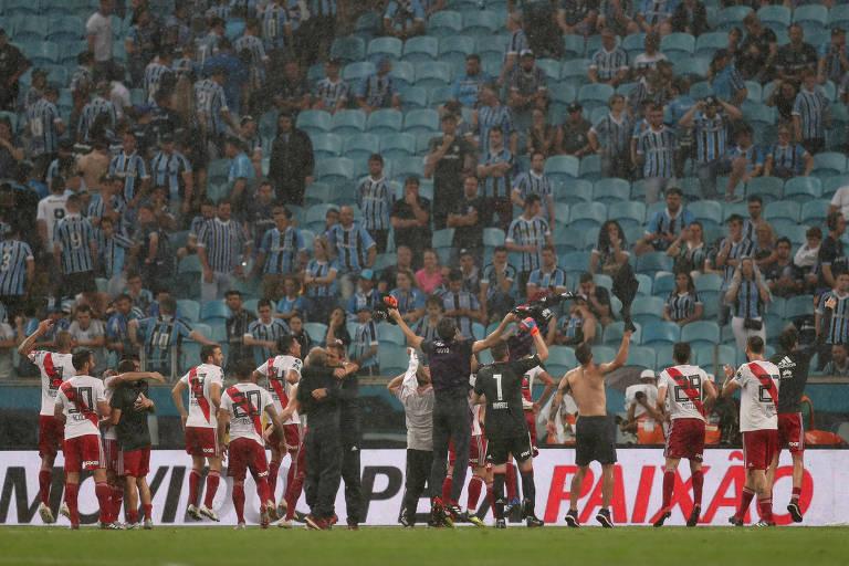 River Plate comemora vitória sobre o Grêmio que o levou para a final da Libertadores