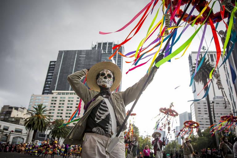 Desfile de Dia dos Mortos na Cidade do México