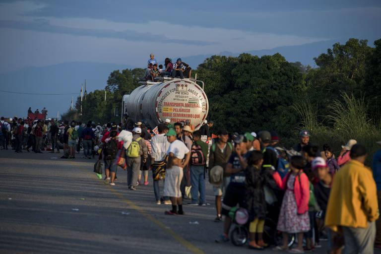 Crianças na caravana de imigrantes centro-americanos