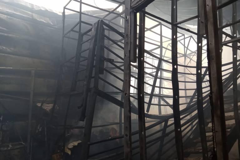 Incêndio atinge shopping no interior de SP