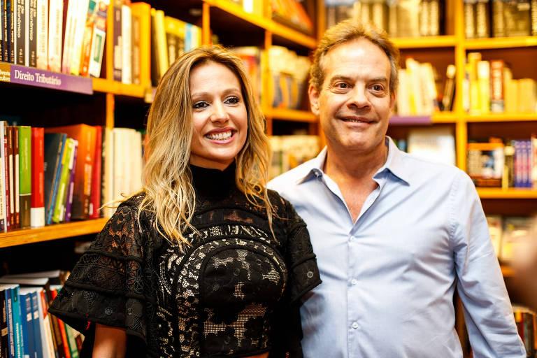 Luisa Mell e Gilberto Zaborowsky durante evento em São Paulo