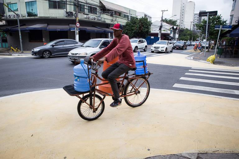 Rua dos Pinheiros vira laboratório de mobilidade