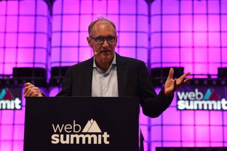 Tim Berners-Lee, criador da World Wide Web; ele discursou durante a Web Summit, conferência anual de tecnologia em Lisboa