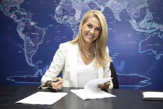 2ad56a6c5d16a Ana Hickmann assina contrato para mais três anos na Record   A gente pode  ir muito mais longe
