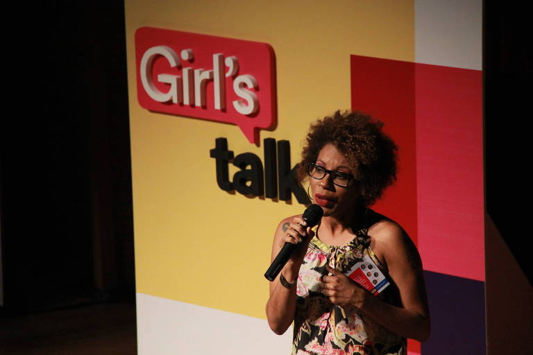 Viviana Santiago, gerente de gênero da Plan Brasil, fala no painel Girl's Talk