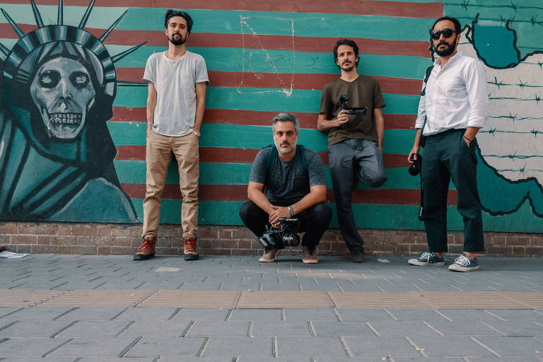 Integrantes do programa Que Mundo É Esse? –  Vozes do Irã, da Globonews