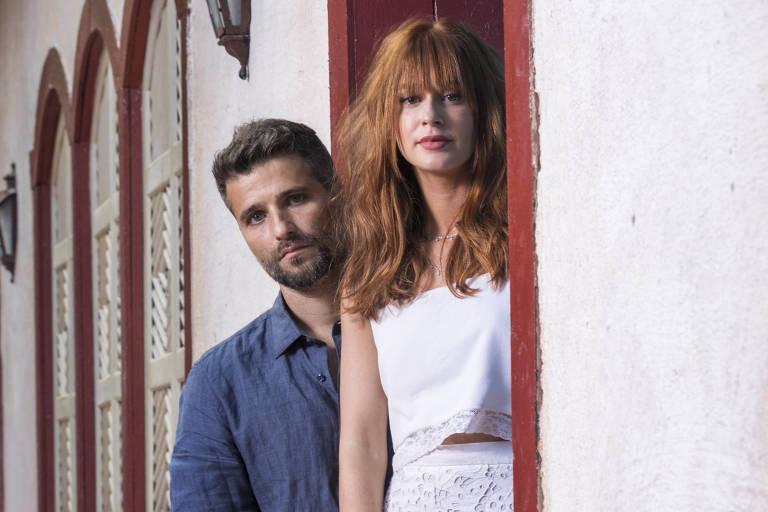 Luz ( Marina Ruy Barbosa ) e Gabriel (Bruno Gagliasso) em 'O Sétimo Guardião'