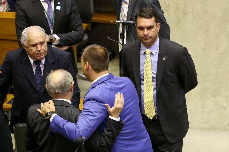 O senador eleito e filho de Jair Bolsonaro, Flávio Bolsonaro (PSL-RJ), durante sessão na Câmara dos Deputados