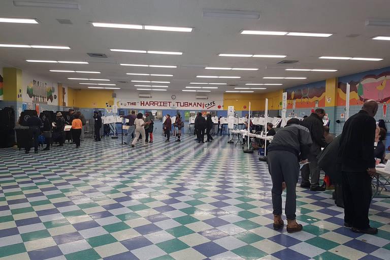 Colégio no Harlem, em Nova York, onde ocorre votação