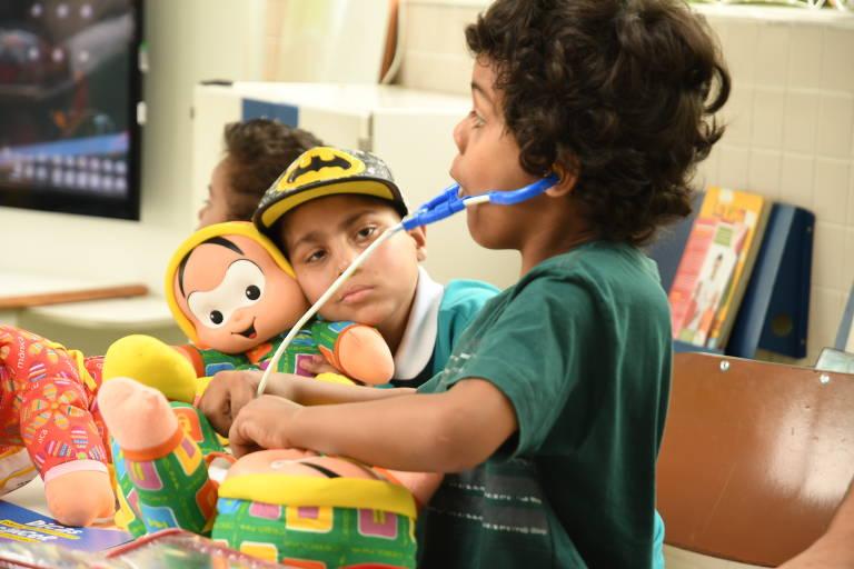 Kit Dodói auxilia rotina de crianças com câncer