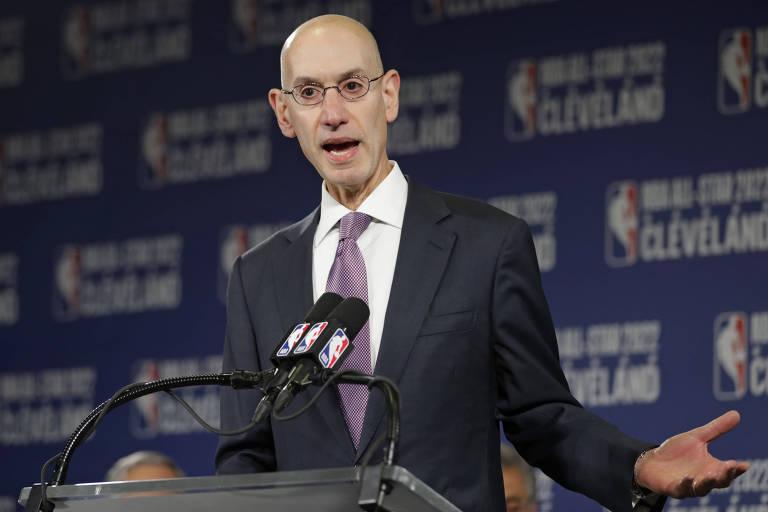 Adam Silver, comissário da NBA, durante evento da liga americana