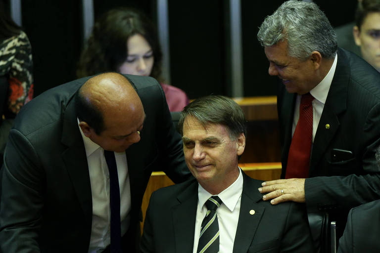 É hora de sabedoria para Bolsonaro, não de paixão, afirma leitor