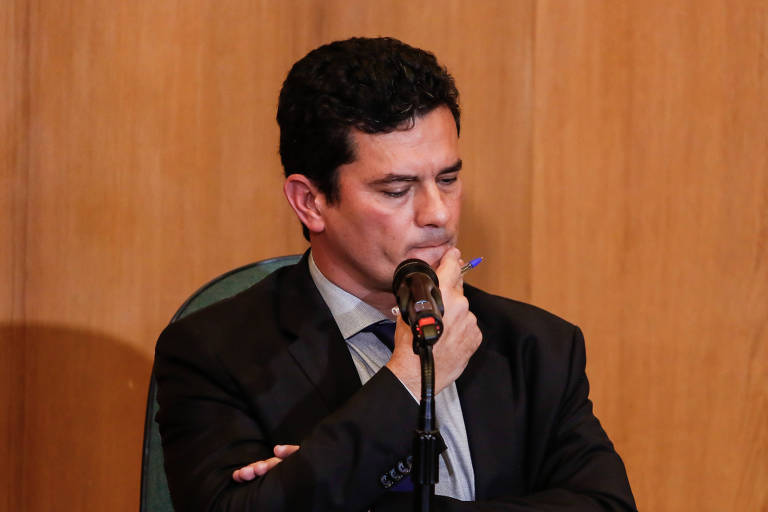 O juiz federal Sergio Moro em sua primeira entrevista coletiva após ter aceitado o convite do presidente eleito, Jair Bolsonaro, para ocupar o cargo de ministro da Justiça em seu governo