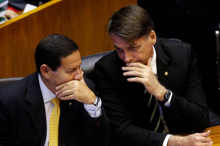 O vice-presidente eleito, general Hamilton Mourão, e o presidente eleito, Jair Bolsonaro, durante evento  no Congresso