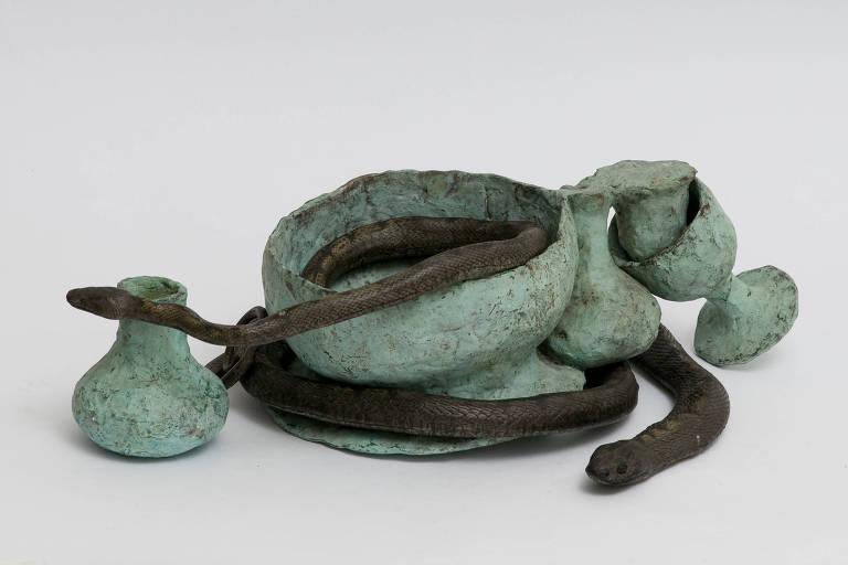 Escultura de Tunga na mostra 'Invenção de Origem'