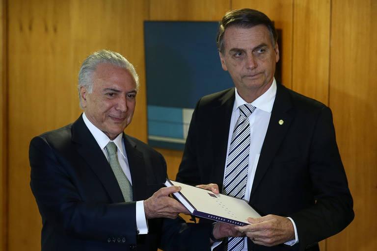 O presidente eleito Jair Bolsonaro e o presidente Michel Temer durante reunião no Palácio do Planalto nesta quarta (7)