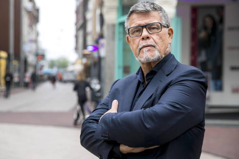 Emile Ratelband, 69, quer  mudar sua idade para 49 anos