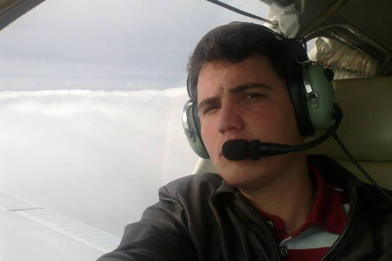 O piloto Maicon Semencio Esteves, 27, que foi encontrado vivo  três dias após queda de avião em mata fechada