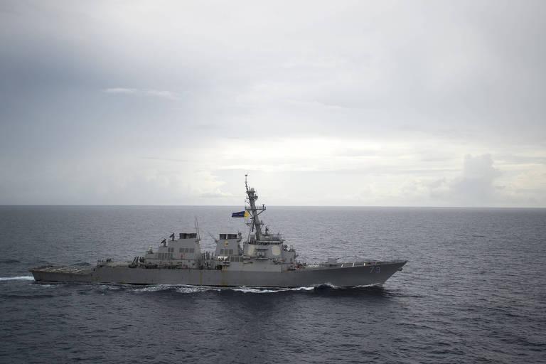 O destróier americano Decatour, que quase colidiu com um navio chinês