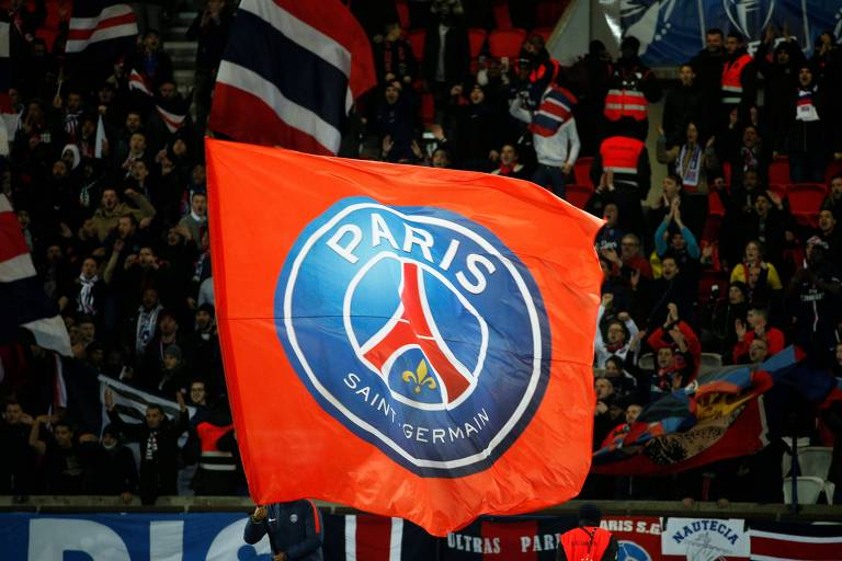 Paris Saint-Germain é acusado de discriminação racial no sistema de recrutamento de atletas da base