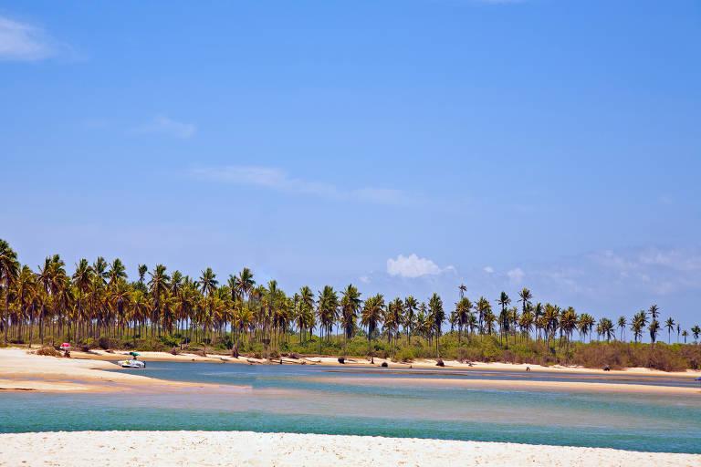 Estrada do Coco, no litoral norte da Bahia