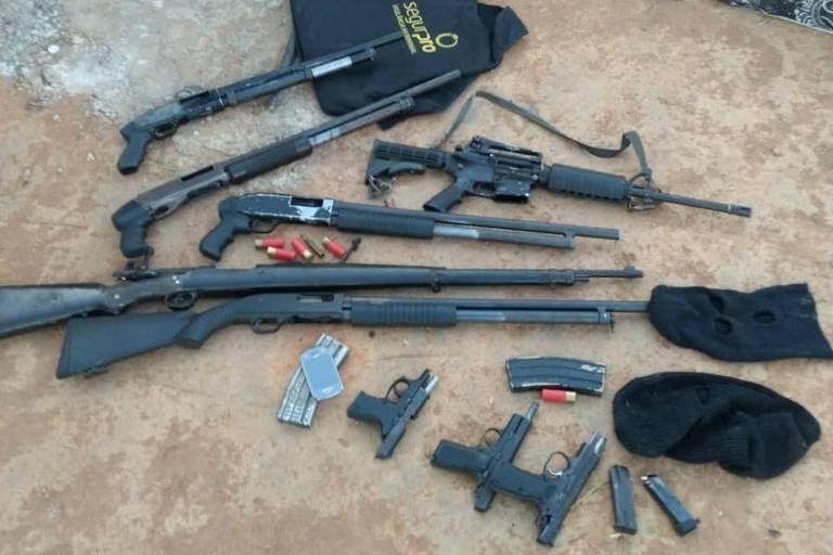 Armamento apreendido com suspeitos mortos no interior de Alagoas