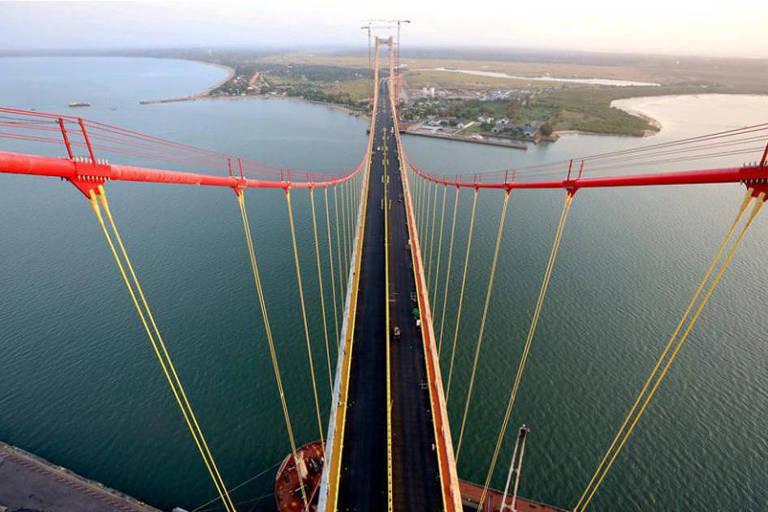 Com apoio da China, Moçambique abre maior ponte suspensa da África