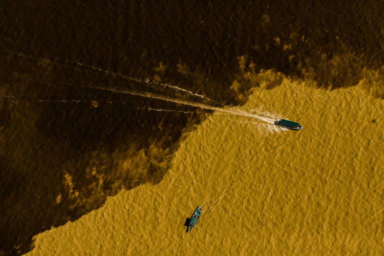 O encontro do Rio Negro com o Solimões