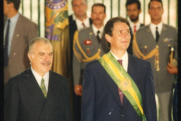 Fernando Collor de Mello, ao lado do ex-presidente José Sarney, em Brasília, em 1990