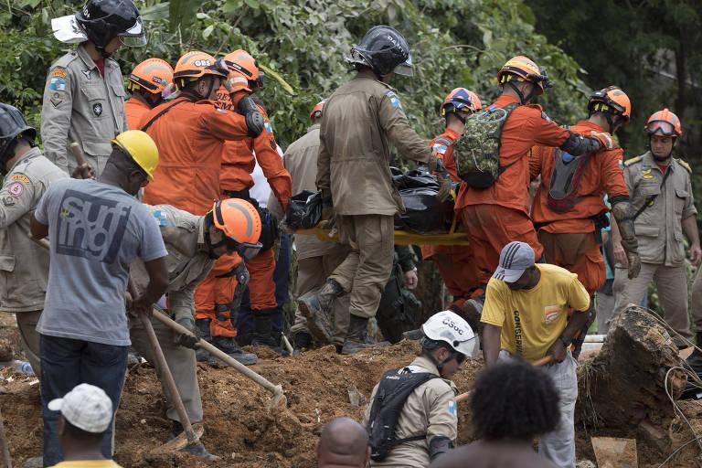 Deslizamento de terra em Niterói